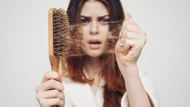 Выпадение волос: домашняя терапия